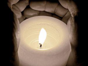 tantetati_pixabay-candle-968244_1920